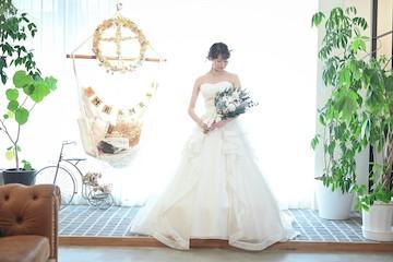 スタジオで撮影した花嫁の全身フォト